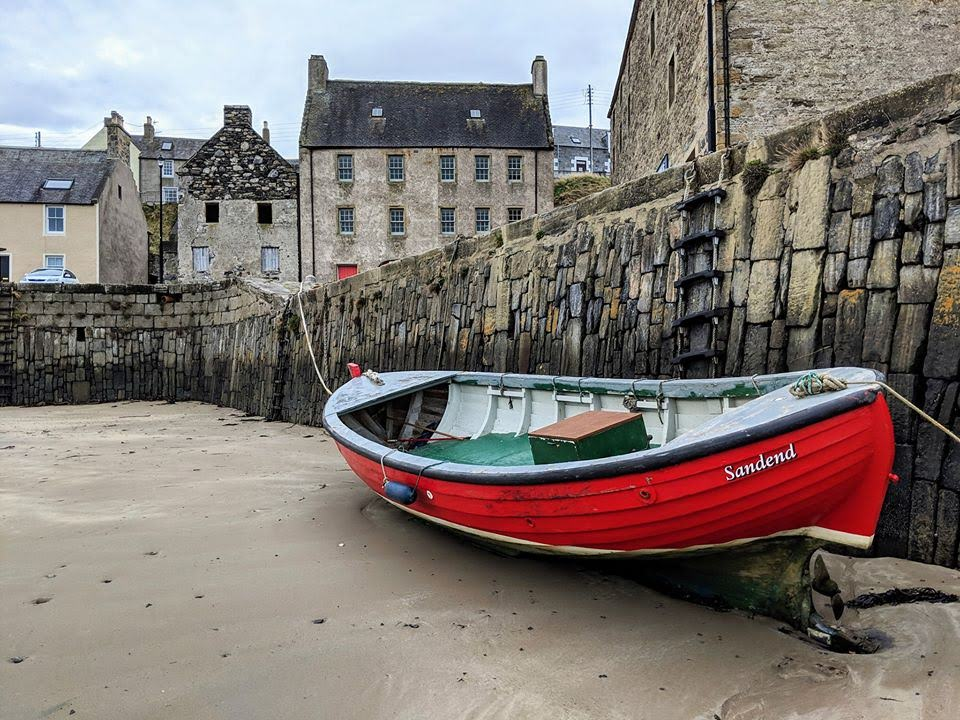 Red boat in Cullen Harbour