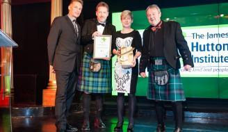 Presentation of the prize to Future Farming Scotland