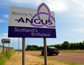 Angus sign post