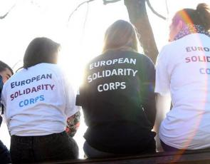 People wearing European Solidarity Corps T-shirts