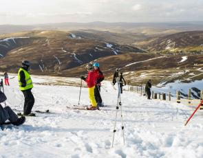 Spring skiing at Lowther Hills
