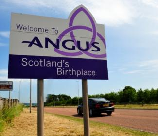 Angus sign post